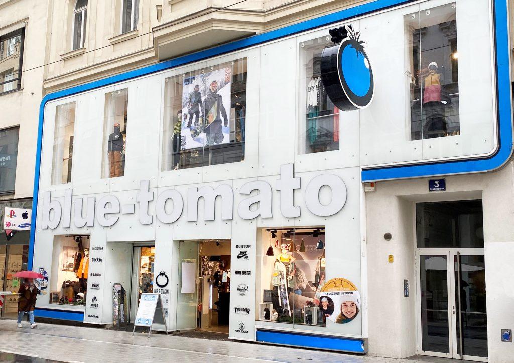 Aussenansicht vom Blue Tomato Shop in der Neubaugasse