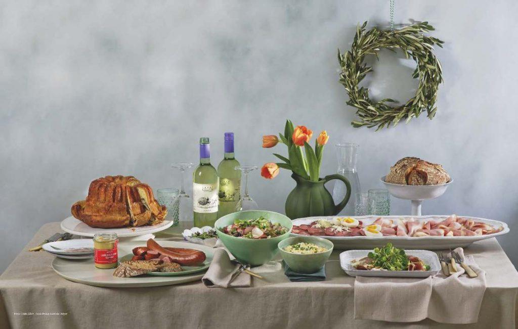 Zu Ostern dürfen Kärntner Reindling, Schinken im Brotteig und frische Bio-Eier nicht fehlen.
